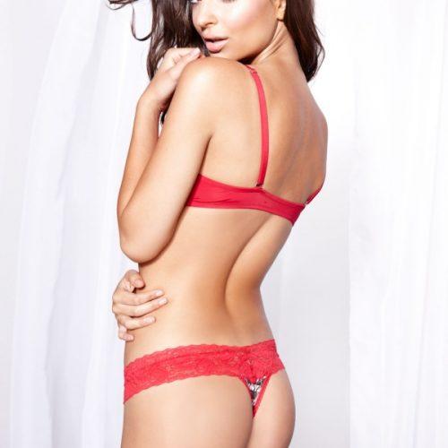 Hot Emily Ratajkowski